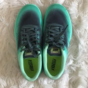 Fitsole Nike Sneakers